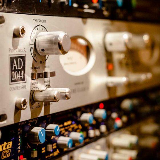 Ka-Pow studio di registrazione firenze- Vintage Recording Studio